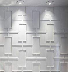 Living Room Wall Treatment- I would choose this because it is very modern n brings out the view of the living room. Modern Wall, Accent Wall, Wall Trim, Wood Accent Wall, Wall Covering Ideas Panelling, Cool Walls, Wall Paneling, Wall Design, Wall Coverings