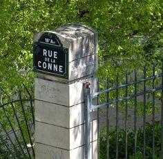 Photo : Sûrement un autre quartier ..., France, Paris, Panneaux insolites. Toutes les photos de Bernard Fosse sur L'Internaute