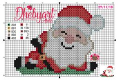 Papai Noel de boas, aguardando o natal! Santa Cross Stitch, Cross Stitch Charts, Cross Stitch Patterns, Embroidery Patterns, Hand Embroidery, Crochet Patterns, Easy Crafts, Diy And Crafts, Plastic Canvas Christmas