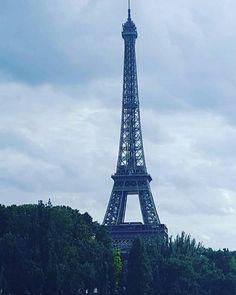 Le Tower Eiffel