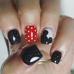 40 Disney nails we love! - A red accent nail ° o ° - . - 40 Disney nails we love! – A red accent nail ° o ° – # - Ongles Mickey Mouse, Mickey Mouse Nails, Nail Art Designs, Disney Nail Designs, Nails Design, Accent Nails, Nail Art Disney, Disney Toe Nails, Disney Toes