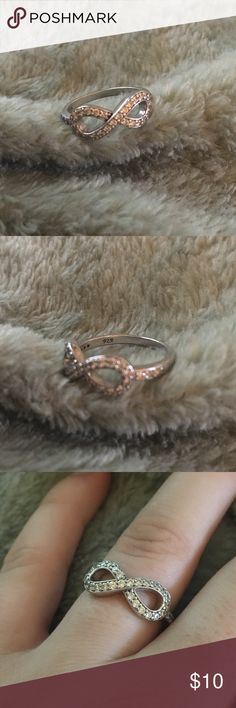 925 Sterling Silver Infinity Ring Worn a few times - 925 stamped inside - infinity shape Jewelry Rings