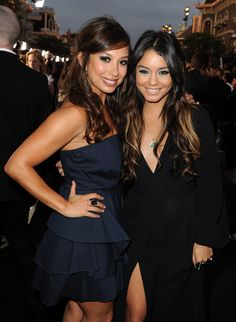 """Cheryl Burke Photos: Premiere Of Walt Disney Pictures' """"Pirates Of The Caribbean: On Stranger Tides"""" - Red Carpet"""