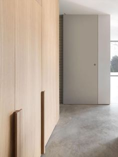 Feature handles on wardrobe doors Wardrobe Handles, Wardrobe Doors, Closet Doors, Door Design, House Design, Interior Architecture, Interior Design, Wardrobe Design, Windows And Doors