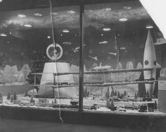 Scranton Christmas Windows 1938-1960: Space Age Santa