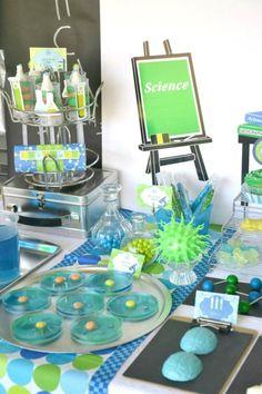 Mad Scientist Themed Birthday Party // @Diana Avery Avery Alvarez @Laura Jayson Jayson Gongora Podemos hacer fiestas infantiles!!