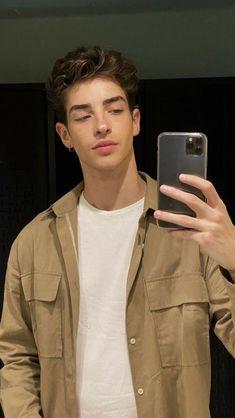 Manu Rios, Image Positive, Cute White Boys, Cute Teenage Boys, Fine Boys, Photography Poses For Men, Stylish Mens Outfits, Selfie Poses, Tumblr Boys