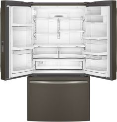 2 adjustable-humidity drawers and 1 full-width adjustable-temperature drawer keep your produce fresh in this GE Series refrigerator.