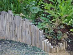 Bordure r cup faire avec des voliges cr ations en palettes pinterest v tements bandeaux - Deco jardin recup gratuit ...
