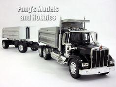 Kenworth W900 Double Dump Truck 1/32 Scale Model by NewRay