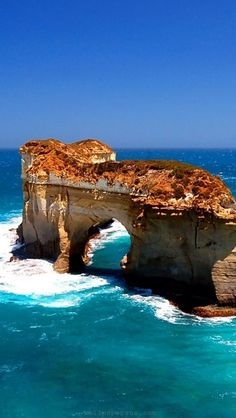 The Arch. Port Campbell, Australia.
