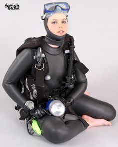Woman diving gear fetish rubber
