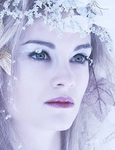 Winter Ice and Snow Queen or Princess Makeup Ideas and Tips Ice Queen. Princess Makeup, Ice Princess, Winter Princess, Princess Theme, Princess Tutu, Snow Queen Makeup, Snow Makeup, Winter Makeup, Winter Beauty