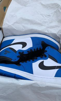 Jordan 1 rare air for Sale in Acton, IN - OfferUp Cute Sneakers, Sneakers Mode, Sneakers Fashion, Shoes Sneakers, Jordan Shoes Girls, Girls Shoes, Vans Girls, Surf Girls, Nike Shoes Air Force