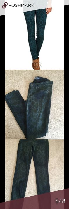 "Rich & Skinny Phyton print In pristine condition no rips no spots minimum wear Rich & Skinny blue Phyton print jeans sz25 inseam 30"" Rich & Skinny Jeans Skinny"
