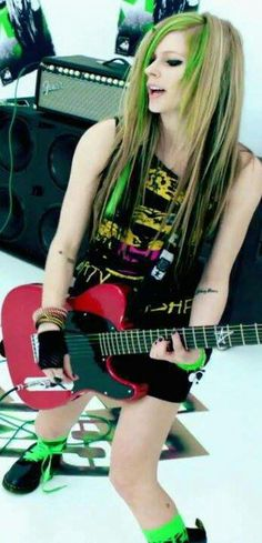 Avril lavigne in a g string final