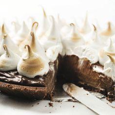 Mhmm! Making this Chocolate Meringue Pie real soon!