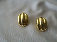 Vintage Gold Tone Earrings by CrazyDeeDee on Etsy, $8.00