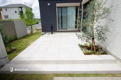 広い敷地をモノトーンで纏めたスタイリッシュなオープン外構施工例 No.28