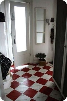 Wonderful painted floor in red and white parquet! Wonderful painted floor in red and white parquet! Red Cottage, Cottage Style, Ideas Cabaña, Floor Design, House Design, Painted Wood Floors, Painted Floor Cloths, Decoration Entree, Home Decoracion