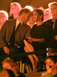 Meghan & Harry Had the Most Adorable PDA at the Invictus Games Opening Ceremony- HarpersBAZAAR.com