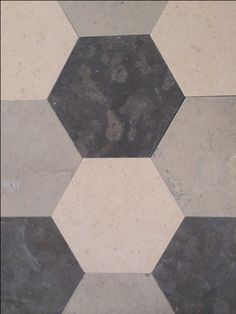 Hexagone avec Valverde I Moleanos I Lagos Blue. All by #pierreportugal . Visitez notre e-shop ! #www.pierreportugal.shop