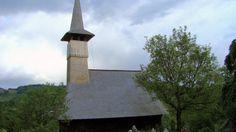Biserica de lemn Sf. Arhangheli din Libotin O călătorie virtuală prin Maramureş - galerie foto. Vezi mai multe poze pe www.ghiduri-turistice.info Sursa : http://ro.wikipedia.org/wiki/Fișier:Biserica_de_lemn_Sf.Arhangheli_din_Libotin_(39).JPG