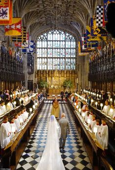 Meghan Markle walks up the aisle with the Prince Charles, Prince of Wales at St George's Chapel at Windsor Castle during her wedding to Prince Harry on May 2018 in Windsor, England. Get premium, high resolution news photos at Getty Images Harry And Meghan Wedding, Harry Wedding, Wedding Wall, Wedding Ring, Prince Harry Et Meghan, Meghan Markle Prince Harry, Princess Meghan, Real Princess, Princess Eugenie