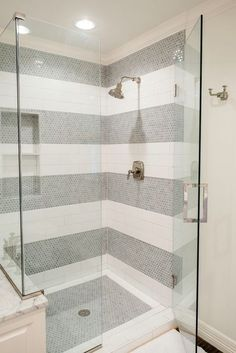 Nice 50+ Charming Bathroom Shower Tile Ideas https://modernhousemagz.com/50-charming-bathroom-shower-tile-ideas/