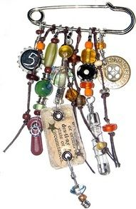 Brooch a lovely idea to have each bead representing a selection of words from a bible passage eg - proverbs 31 woman! put on backpack for camp or even on your key chain from maybe your fav part of te bible instead of wearing it as a brooch. Funky Jewelry, Old Jewelry, Jewelry Crafts, Jewelry Art, Beaded Jewelry, Jewelery, Vintage Jewelry, Handmade Jewelry, Jewelry Design