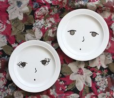 Foodie face plates. Use ceramic paint and let the kids use food to add hair and other features. Great idea!
