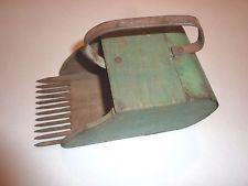 Vintage Antique Cranberry Berry Scoop Picker Wood old green paint primitive AAFA