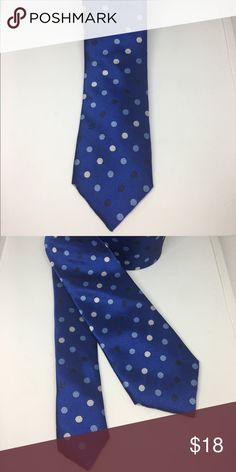 Point Blue Secure your status as an urban trendsetter in this skinny tie from Knots For Him. The perfect accompaniment to your favorite slim fit suit, it's a knockout look for your next dressy event.   Product Details   Color          Blue  Matirial       100% Cotton Accessories Ties
