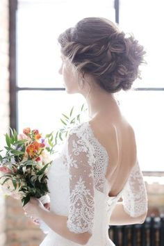 If the wedding dress is a crucial choice, it is the same for the beauty. Your bridal hairstyle will be the finishing touch, the icing on the cake … Source by smonteryx Wedding Hairstyle Images, Wedding Hairstyles For Long Hair, Party Hairstyles, Girl Hairstyles, Hairstyle Ideas, Bridal Hairstyle, Curly Wedding Hair, Romantic Wedding Hair, Wedding Updo