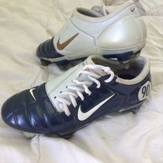 Nike airzoom total 90 iii soccer cleats Not worn much, still in great condition! They have metal spikes but if they're not legal in your league they are removable and can be replaced with plastic ones! They are listed as size 8 (women's) because that's how they fit but the cleats say they are a women's 7 which I find is terribly inaccurate. Made in Italy Nike Shoes