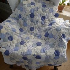 blue hexagon quilt!!