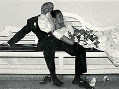 Just wanted to share these wedding photos of President Barack Obama and First Lady Michelle Obama on their Wedding Day with our BrideTide re. Michelle Und Barack Obama, Presidente Obama, Wedding Photos, Wedding Day, Wedding Reception, Wedding Bells, Sydney Wedding, Wedding Album, Wedding Gallery