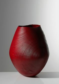 Gorgeous wood vessels and bowls by Friedemann Bühler