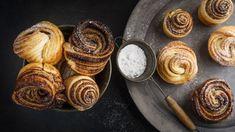 Poznáte cruffiny? Croissanty a muffiny v jednom Cronut, Muffins, Crescent Rolls, Burger, Croissants, Freshly Baked, Food Photo, Almond, Food And Drink