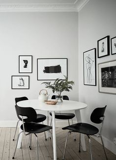 Neutral home with black accents - via Coco Lapine Design blog