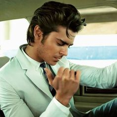 Usually I'm sort of indifferent towards him, but damn.... Zac Efron