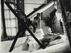 Frida pintando na sua cama, Anônimo (1940), do Museu Frida Kahlo (Foto: MON / Divulgação)