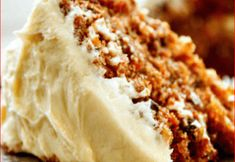 BEST CARROT CAKE EVER This moist, flavorful carrot cake will make guests swoon—and ask for seconds! Our best-ever recipe has three tender cake layers filled with chopped pecans, grated carrot… Food Cakes, Cupcake Cakes, Carrot Cake Cupcakes, Moist Carrot Cakes, Carrot Cake Loaf, Carrot Cake Cheesecake, Sunshine Cake, Sweet Carrot, Snacks Sains