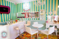Rede de esmalterias baixa preço da manicure para 12,50 reais | Liquidação e cia. Cafe Bar, Small Spa, Nail Room, Hair Stores, Frame Display, Decoration, Retro, Junho, Furniture