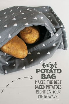 Potato Bag Baked potato Bag-- make the softest and yummiest baked potatoes righ. - Potato Bag Baked potato Bag– make the softest and yummiest baked potatoes right in your microwav - Easy Sewing Projects, Sewing Projects For Beginners, Sewing Hacks, Sewing Tutorials, Sewing Patterns, Sewing Tips, Sewing Crafts, Sewing Ideas, Sewing Lessons