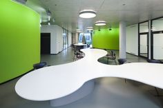 Engaging Design Showcased by O.A.S.E. Medical Library in Düsseldorf, Germany