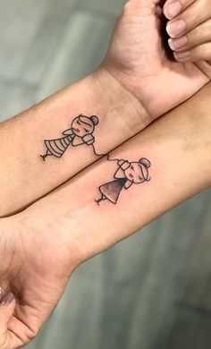 55 amazing tattoos for best friends - TopTattoos - tatoo - # . - 55 amazing tattoos for best friends – TopTattoos – tatoo – # amazing - Twin Tattoos, Paar Tattoos, Body Art Tattoos, Small Tattoos, Tatoos, Sexy Tattoos, Tattoos For Twins, Tattoos For Sisters, Subtle Tattoos