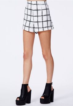 Perfect smart shorts but could potentially dress them down. I need these beauties!!! #MissguidedAW14