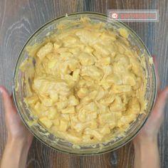 Prăjitură super rapidă cu mere și scorțișoară: astfel de desert cu siguranță nu ați încercat! - savuros.info Macaroni And Cheese, Tv, Cooking, Ethnic Recipes, Food, Kitchen, Mac And Cheese, Television Set, Essen