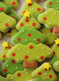 Christmas is almost here, which means cookies are probably on your to-do list! Roundup your collection with beautiful decorated Christmas tree cookies, worthy of any cake decorators holiday table! Shared by Where Youth Rise. Christmas Tree Cookies, Iced Cookies, Christmas Sweets, Noel Christmas, Cookies Et Biscuits, Holiday Cookies, Holiday Treats, Christmas Baking, Holiday Foods